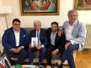 """Graus editore presenta """"Un senatore possibile"""",libro autobiografico del senatore Antonio Razzi"""